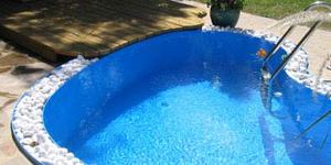 Do bazénů a jezírek