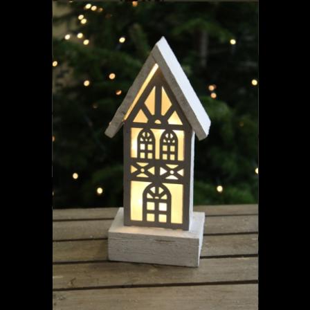 Dřevěný svíticí domeček 11x8x26cm