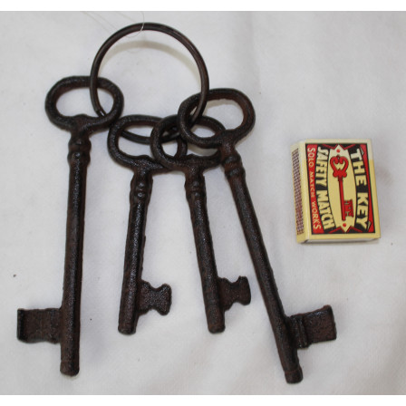 Svazek 4 klíčů litina 19x6x0,5cm