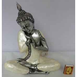 Budha s mušlemi