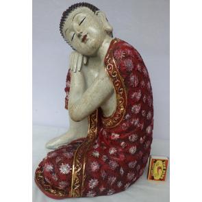 Buddha s červeným pláštěm