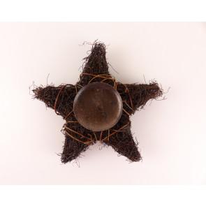 Proutěný svícen ve tvaru hvězdy na jednu svíčku