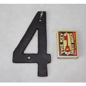 Domovní číslo 4