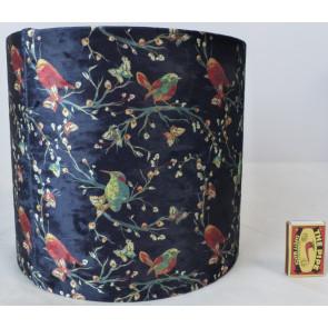 Stínidlo na lampu černé s ptáčky 25x25x23cm