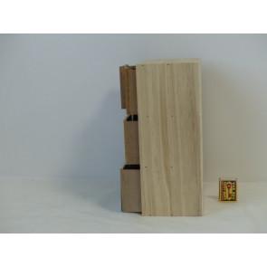 Skříňka malá dřevěná vyšší KPM